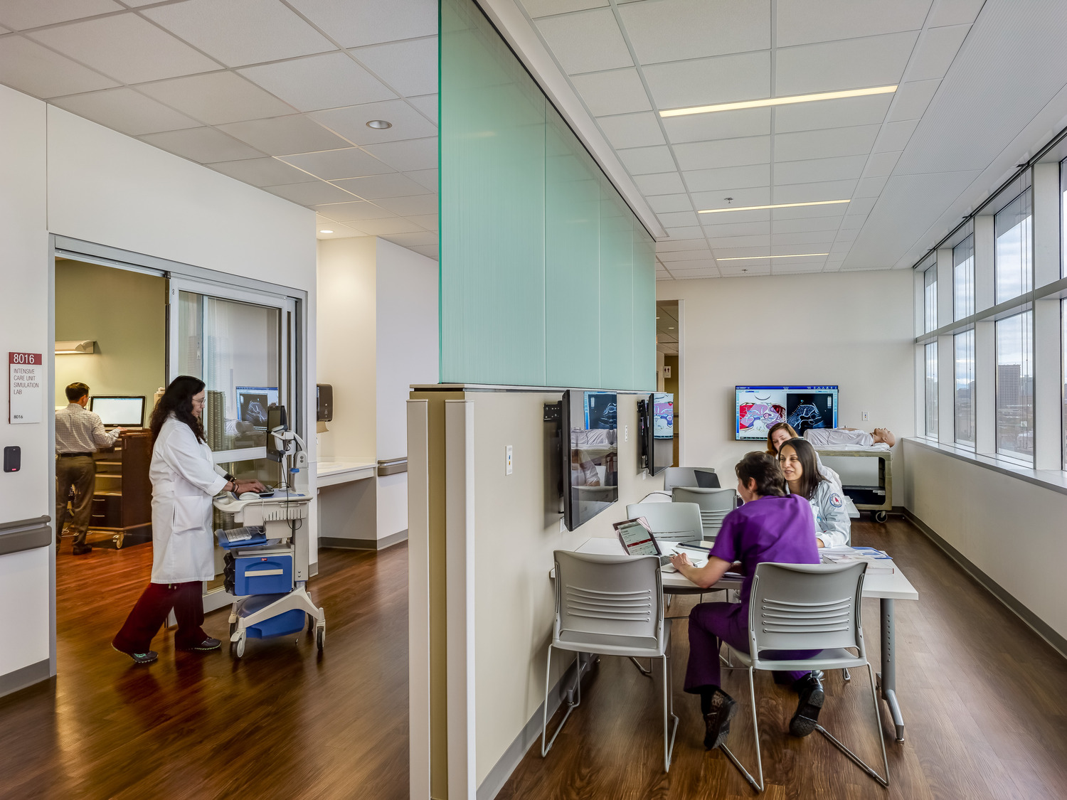 How St. Louis learning institutions can leverage new tech like simulation and holographs to educate the next generation of health professionals.