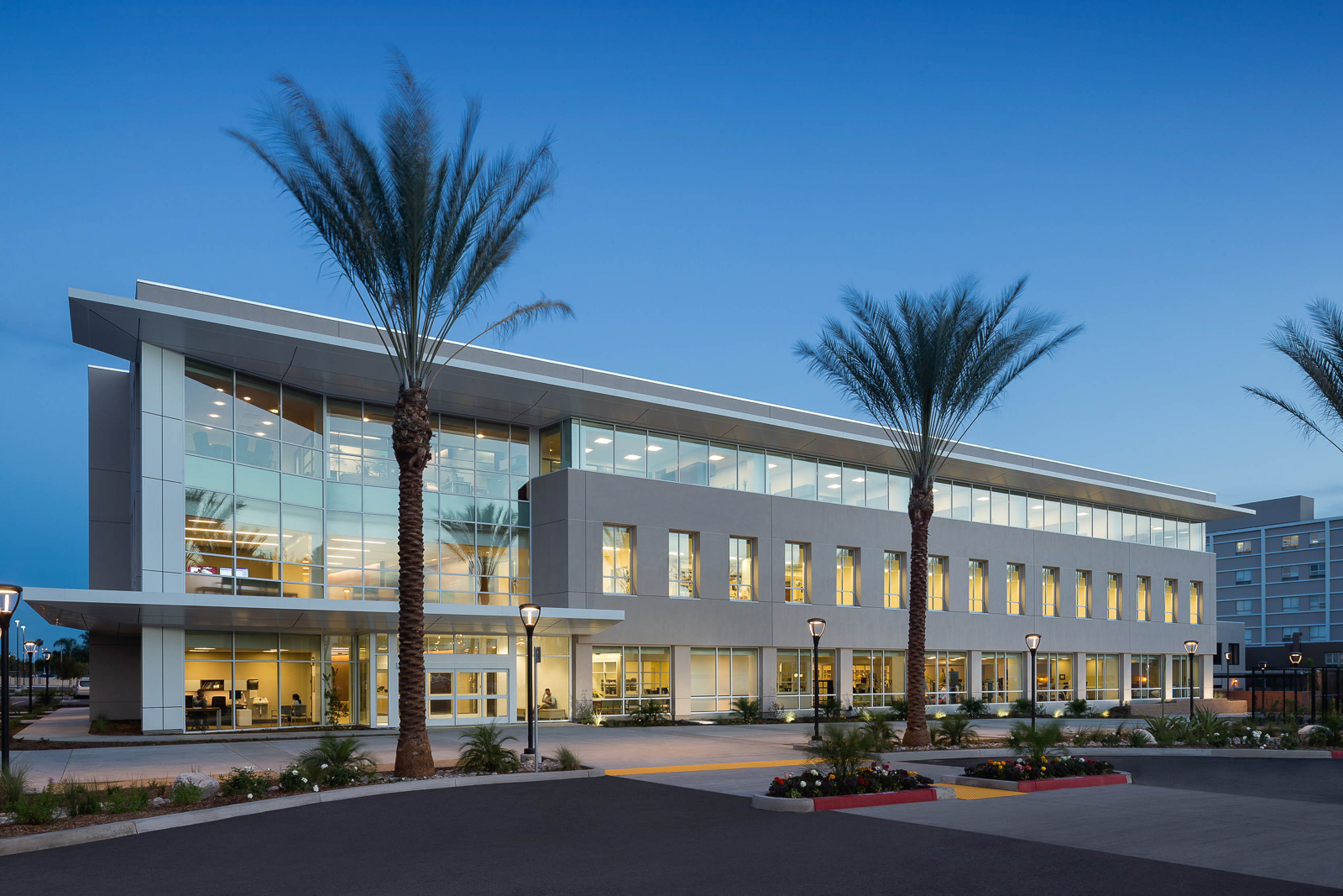 Pomona Valley Hospital Medical Center Robert And Beverly Lewis