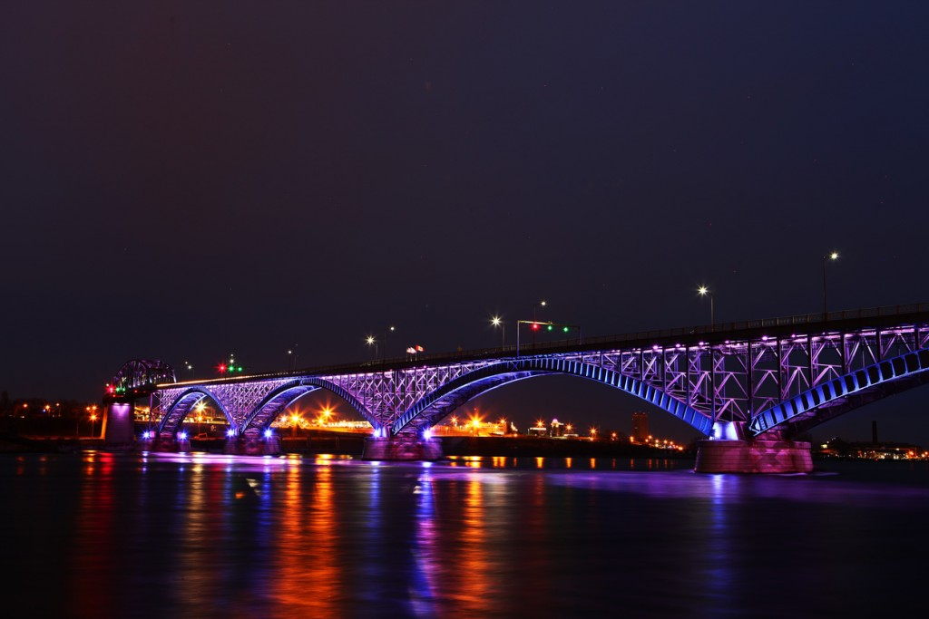 The Peace Bridge, a view in the night